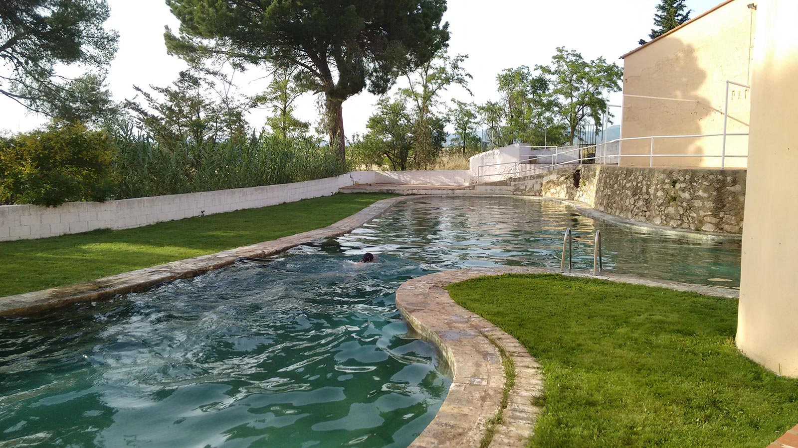 piscina1-bodega-vera-de-estenas